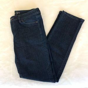 Loft Ann Taylor Jeans in Modern Straight, size 6